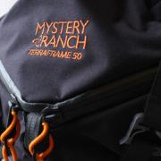 しっかり荷物を担げるMYSTERY RANCH テラフレーム